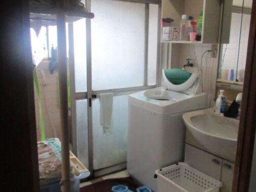 洗面所のリフォームの改修前画像